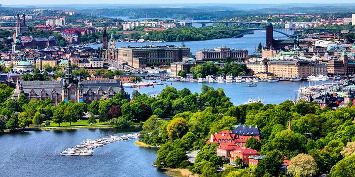 Gamla Stan, die Altstadt, und die Kanäle Stockholms © Tupungato / Shutterstock.com