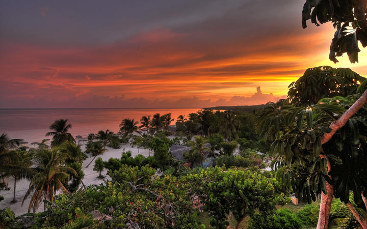 Blick auf den Strand Esmeralda in Holguin, Kuba © Vojko Kavcic / Shutterstock.com