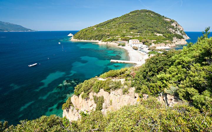 Küste der Halbinsel Enfola, Elba, Italien © Luciano Mortula / Shutterstock.com