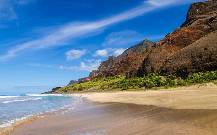 Der Kalalau Strand an der Na Pali Küste, Insel Kauai, Hawaii, USA © Fremme / Shutterstock.com