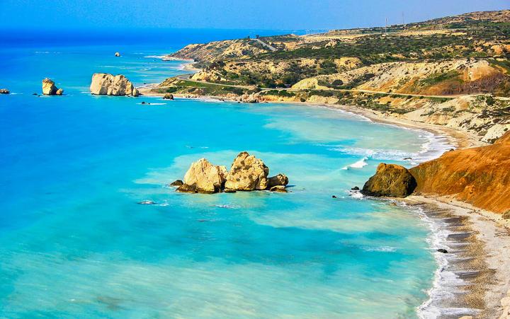 Petra tou Romiou, Aphrodites legendärer Geburtsort in Paphos, Zypern © ruzanna / Shutterstock.com