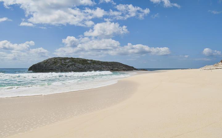 Sandküste auf Cat Island © Wallace Weeks / Shutterstock.com