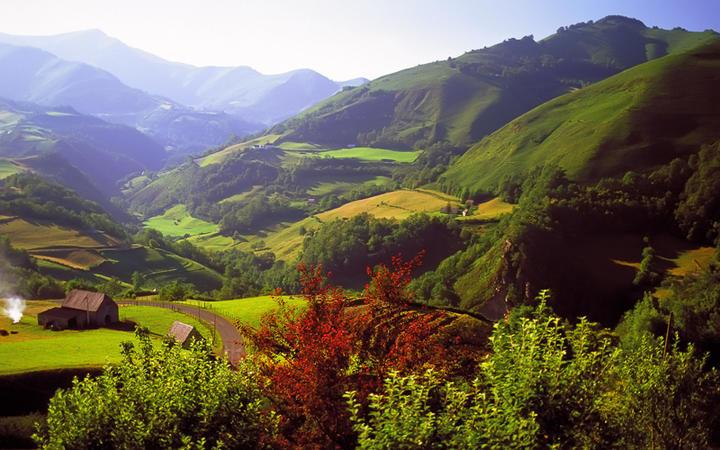 Die Pyrenäen an der Grenze zwischen Frankreich und Spanien © David Hughes / shutterstock.com