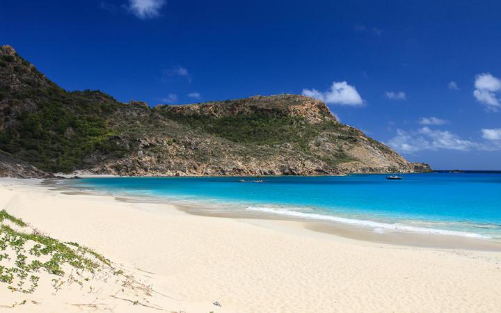 Traumhafter Strand im karibischen Paradies von St. Barthélémy © Achim Baque / Shutterstock.com