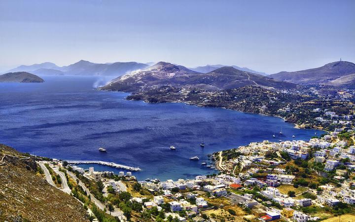 Blick auf den Hafen und die Bucht von Skala © AJancso / Shutterstock.com