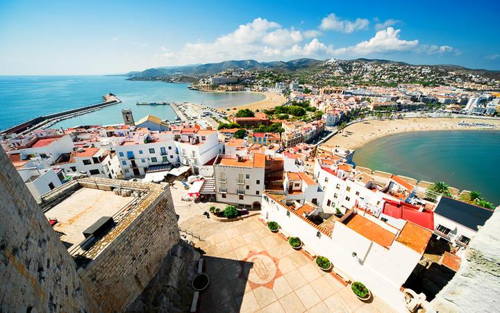 Blick über die Stadt Peñíscola © Alexander Tihonov / Shutterstock.com