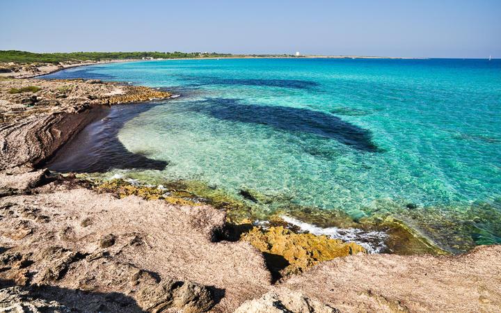 Punta della Suina beach in Salento, Apulia. Italy. © ROBERTO ZILLI / Shutterstock.com