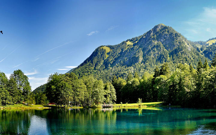 Kleiner See nahe Oberstdorf © fotoping / shutterstock.com