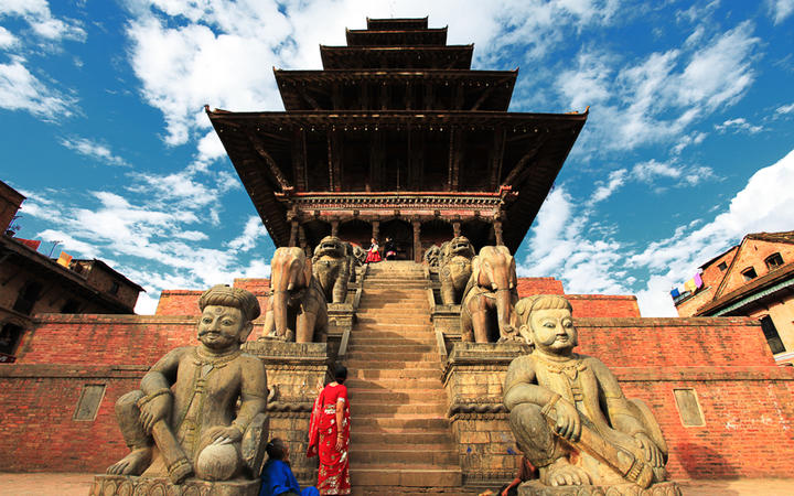 Statuen am Bhaktapur-Platz in Kathmandu © TheJim999 / Shutterstock.com