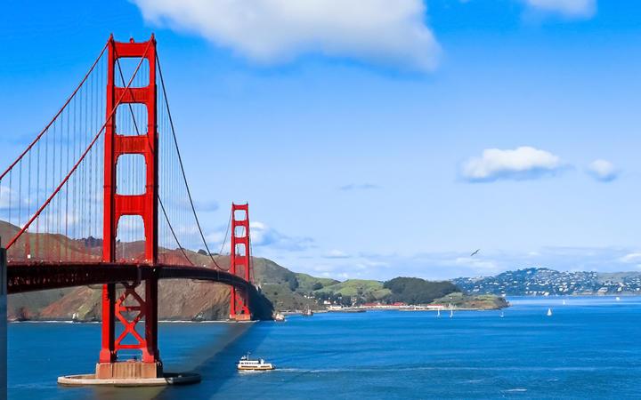 Blick auf die Golden Gate Bridge, das Wahrzeichen San Franciscos © Palette7 / Shutterstock.com