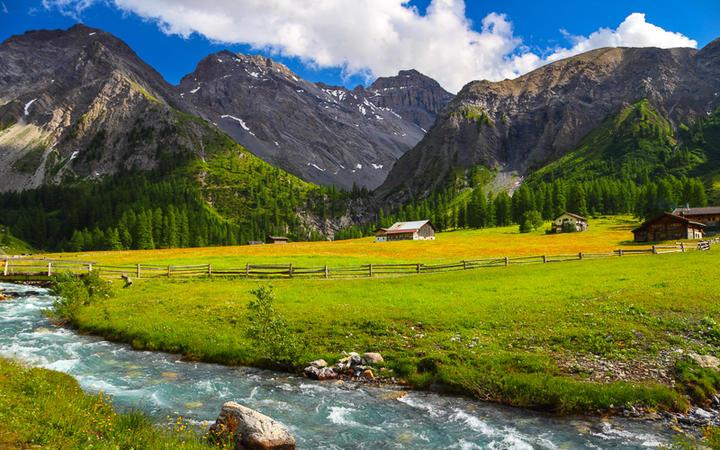 Idyllische Berglandschaft in Davos, Graubünden, Schweiz © Petr Kopka / Shutterstock.com