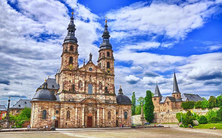 Der Dom St. Salvator zu Fulda, Rhön in Hessen, Deutschland © Dmitry Eagle Orlov / Shutterstock.com