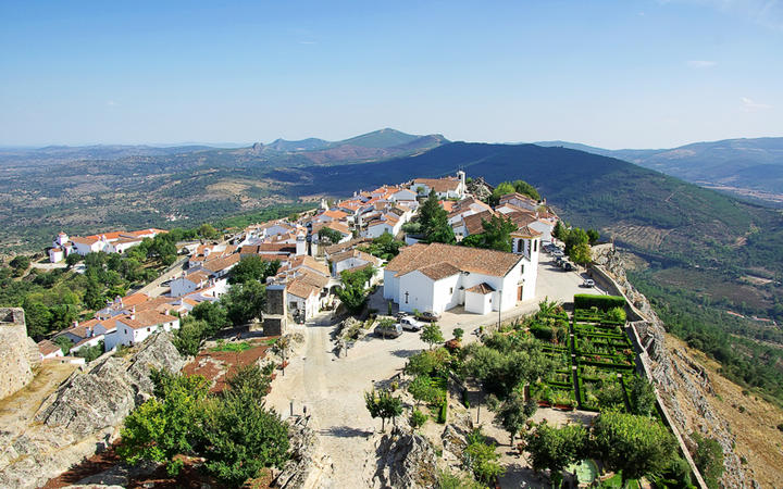 Blick auf die Landschaft von Marvao © inacio pires / Shutterstock.com