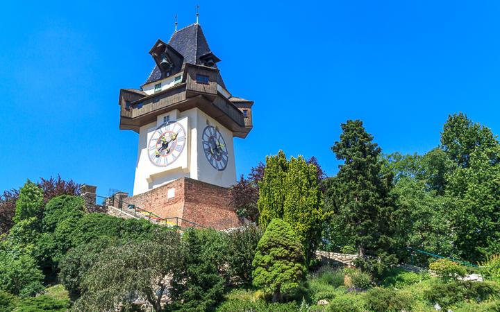 Uhrturm am Schlossberg in Graz © Bertl123 / shutterstock.com