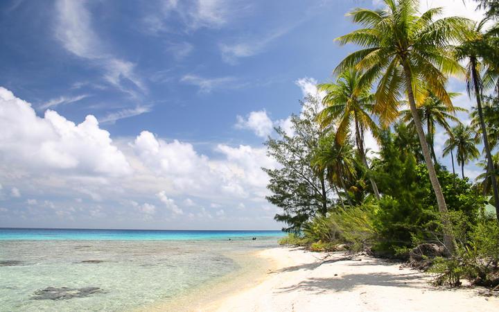 Fakarava Island, Tuamotu Inseln, Französisch-Polynesien © urosr / Shutterstock.com