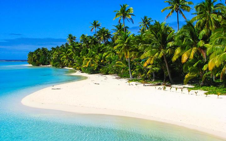 Traumhaft schöner Sandstrand auf der Insel Aitutaki, Cook Inseln, Südsee © Przemyslaw Skibinski / Shutterstock.com